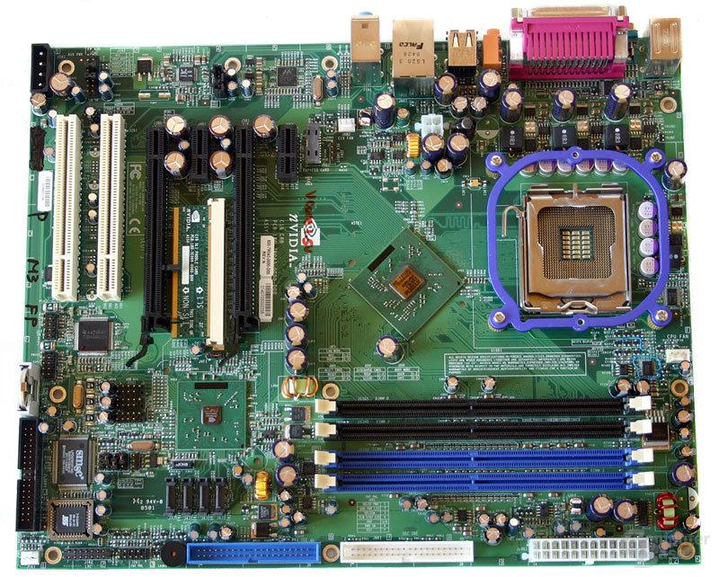 nForce 4 SLI (Intel Edition) Referenzboard ohne Kühler