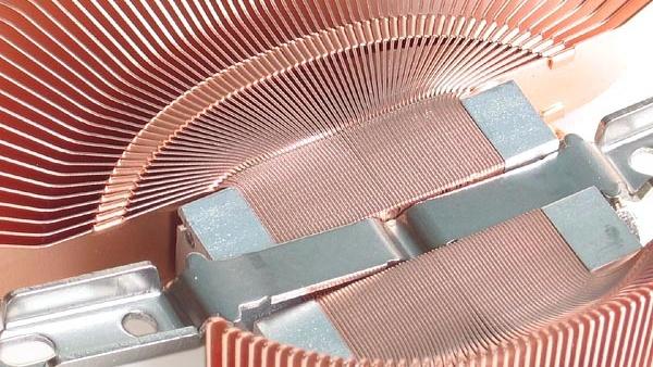 Fünf VGA-Kühler im Vergleich: Zalman kühlt die GPU am leistesten