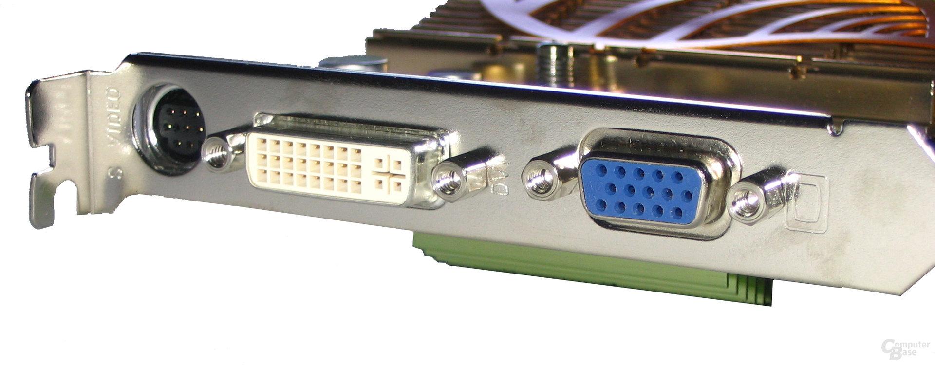 Gigabyte GeForce 6600 GT Front-Panel