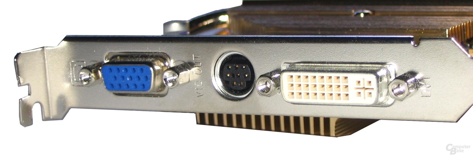 Gigabyte Radeon X800 XL Front-Panel