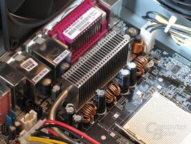Asus A8N SLI Premium: nF4-Passiv gekühlt