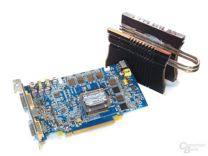 Den 110-nm-R430 kühlt der Polar Freezer von Bequiet