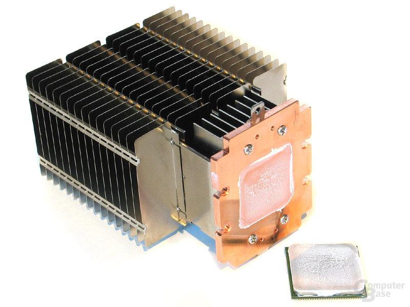 Silikonwärmeleitpaste zwischen CPU und Kühler