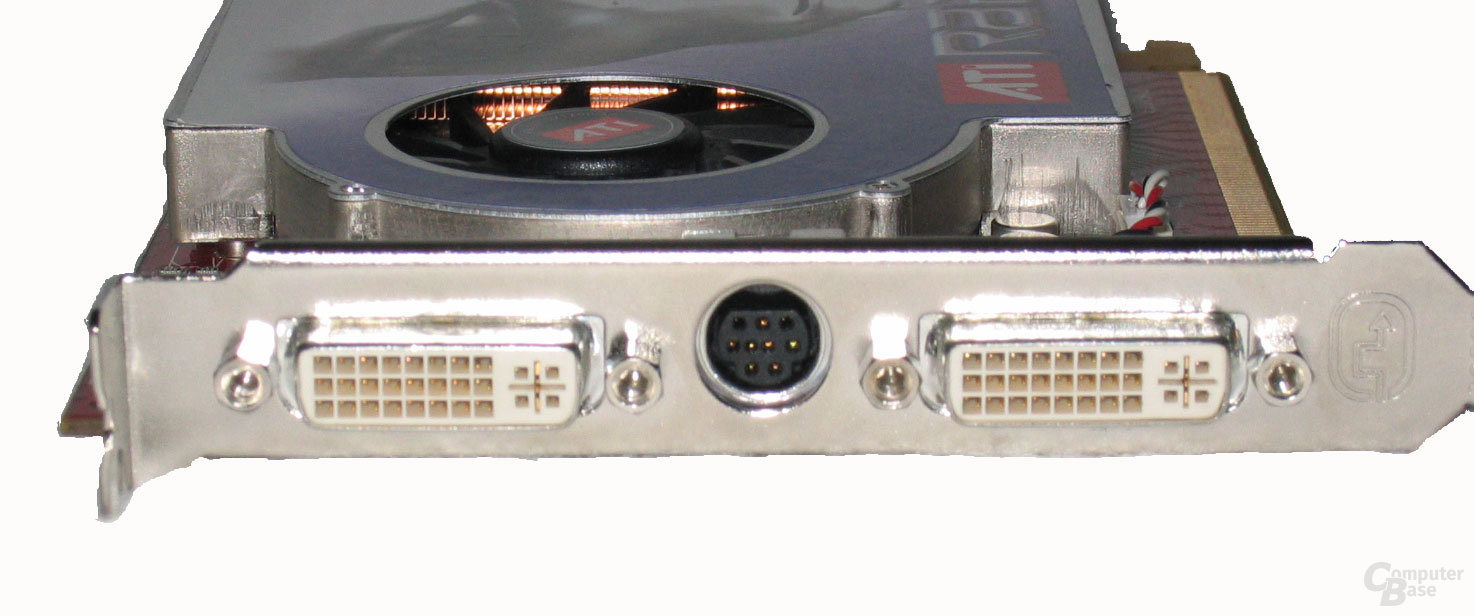 Sapphire X1800 XL Front