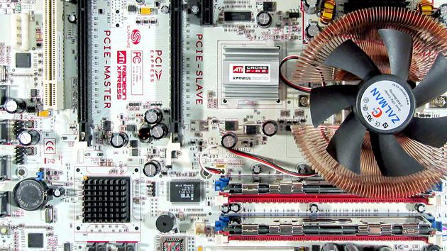 Sapphire PC-A9RD580 CrossFire im Test: 40 PCIe-Lanes für Spiele-Enthusiasten