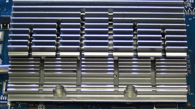 Asus EN7600GS TOP Silent im Test: Schneller, leiser, größer, anders