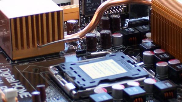 Intel 975X und nForce 4 SLI XE im Test: Asus P5W DH Deluxe gegen MSI P4N SLI XE
