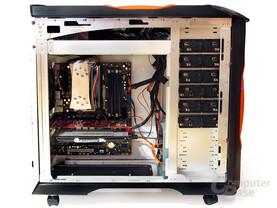Großräumiges Testgehäuse mit vielen Lüftungsmöglichkeiten: Coolermaster Stacker 830