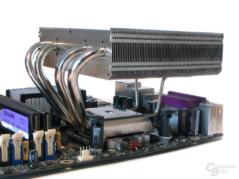 Wuchtiger Anpressdruck biegt Mainboard