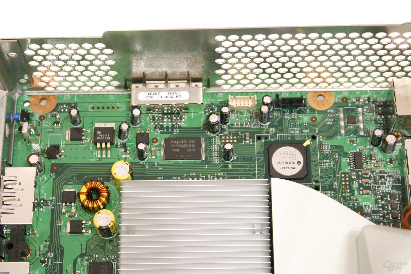 Xbox 360 - Ein Blick ins Innere - Die Festplattenschnittstelle
