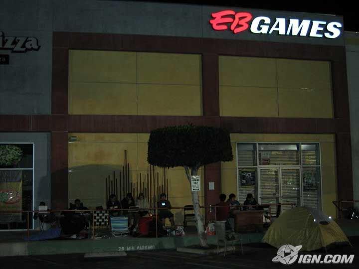 Besonders versessene Kunden übernachten vor Ort (Quelle IGN.com)