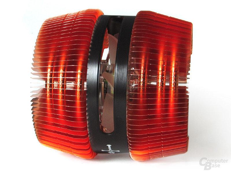 Zentral verbauter 92-mm-Globe Fan
