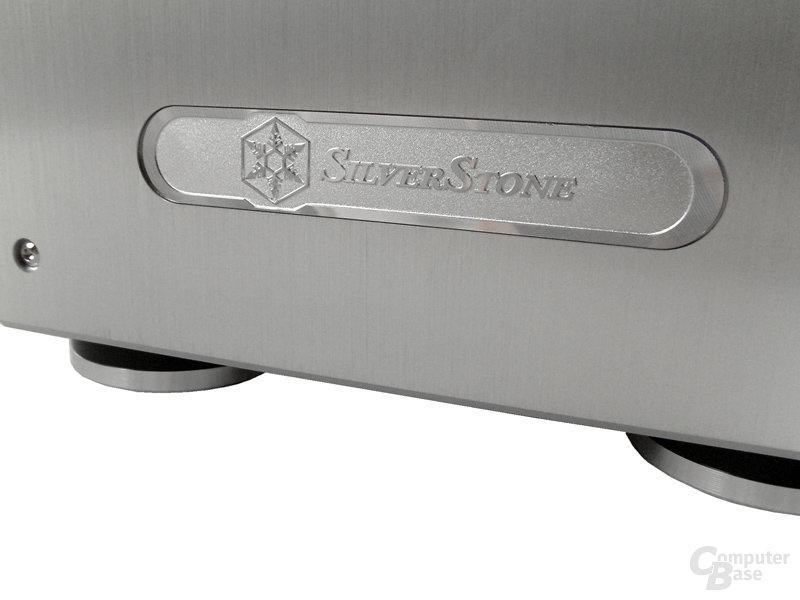 """Silverstone""-Schriftzug"
