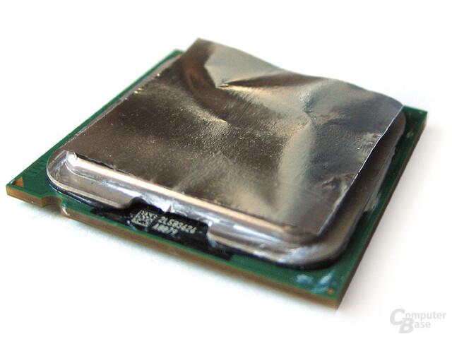 MetalPad lediglich auflegen, dann CPU und Kühler installieren