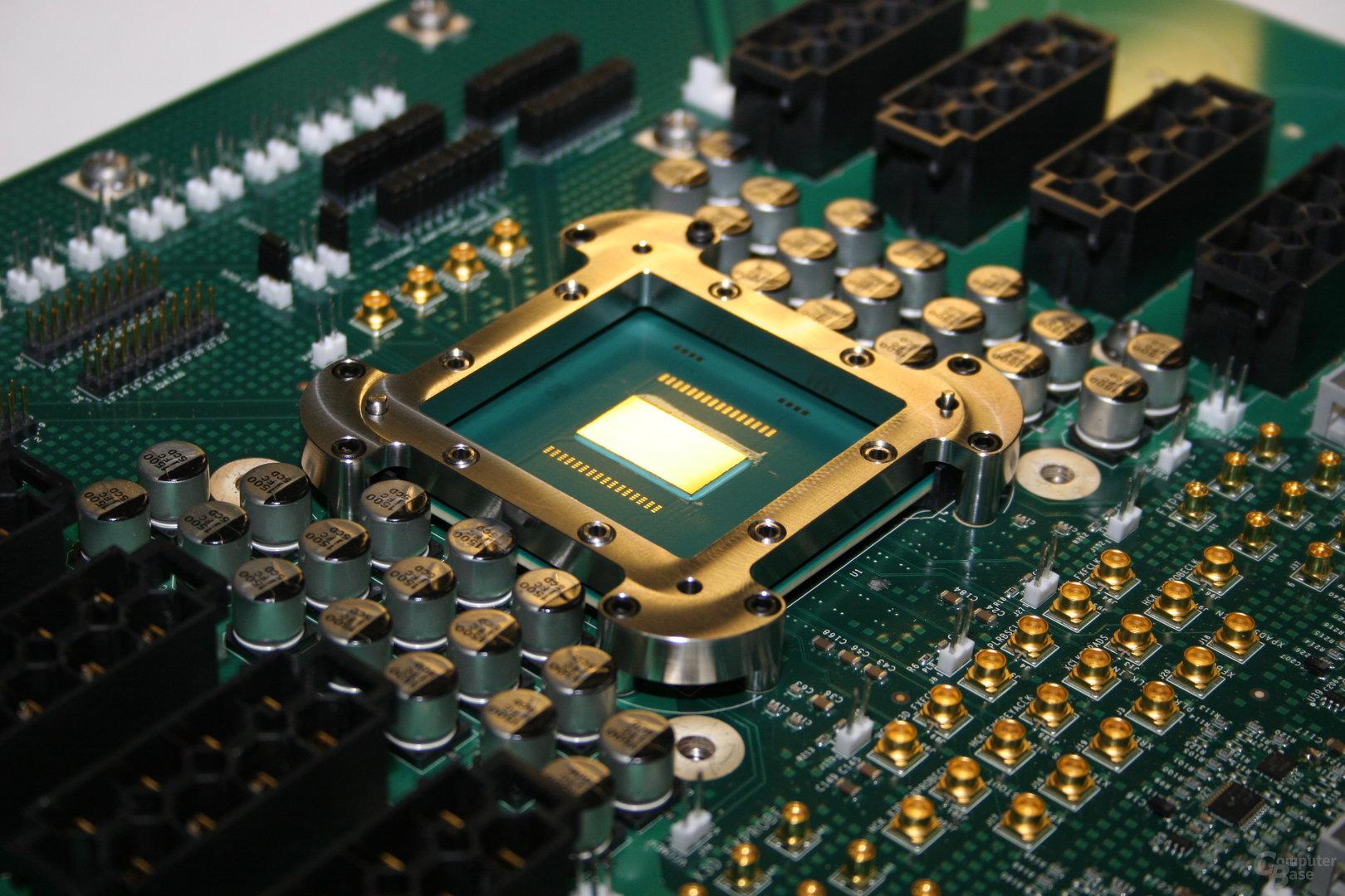 Intel Teraflop-Chip (Polaris) auf dem Testboard