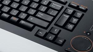 Logitech diNovo Edge im Test: Die Tastatur wird zum Statusobjekt