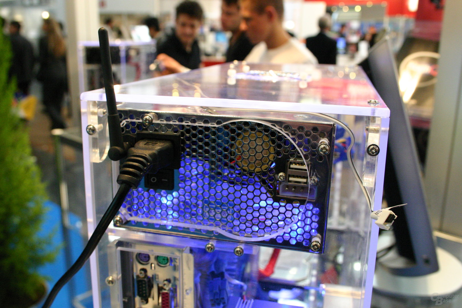 NorthQ Netzteile mit USB und Alarmanlage