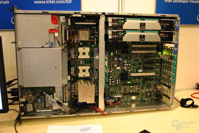 Xeon MP-System mit FGPA-Beschleuniger von Nallatech