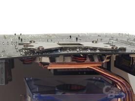 Mainboard biegt sich durch, beim Versuch der Montage mit der Serienrückplatte, Testdurchführung mit anderer Rückplatte