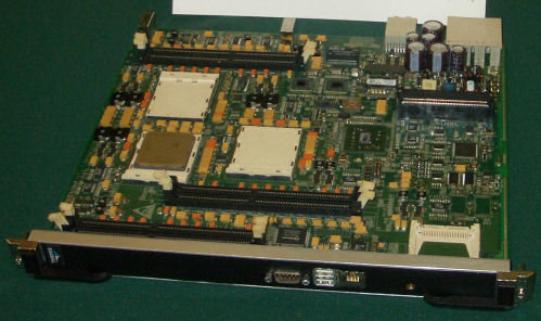 Themis Slice – Board mit drei Opteron Prozessoren