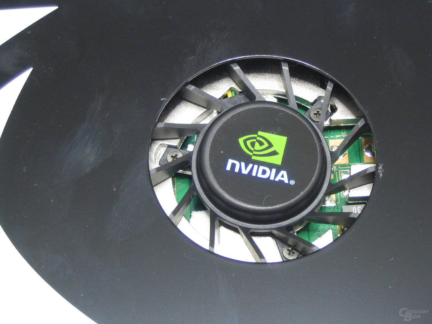GeForce 8800 GT Luefter