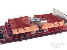 2-Slot-Lösung: Verdeckt einen PCI-Slot