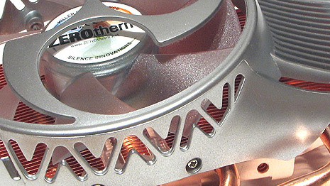 ZEROtherm Hurricane HC92 im Test: Potentes VGA-Kühler Duett