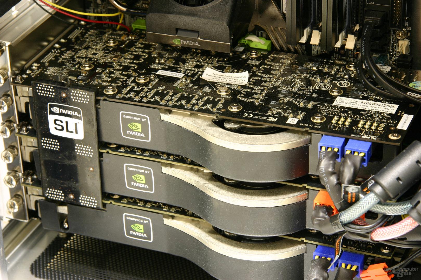 3x GeForce 8800 Ultra