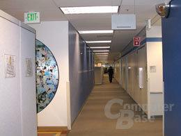 Spiegel in einem Bürokomplex