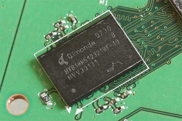 Speicher-Chip (GDDR3, 1 ns)