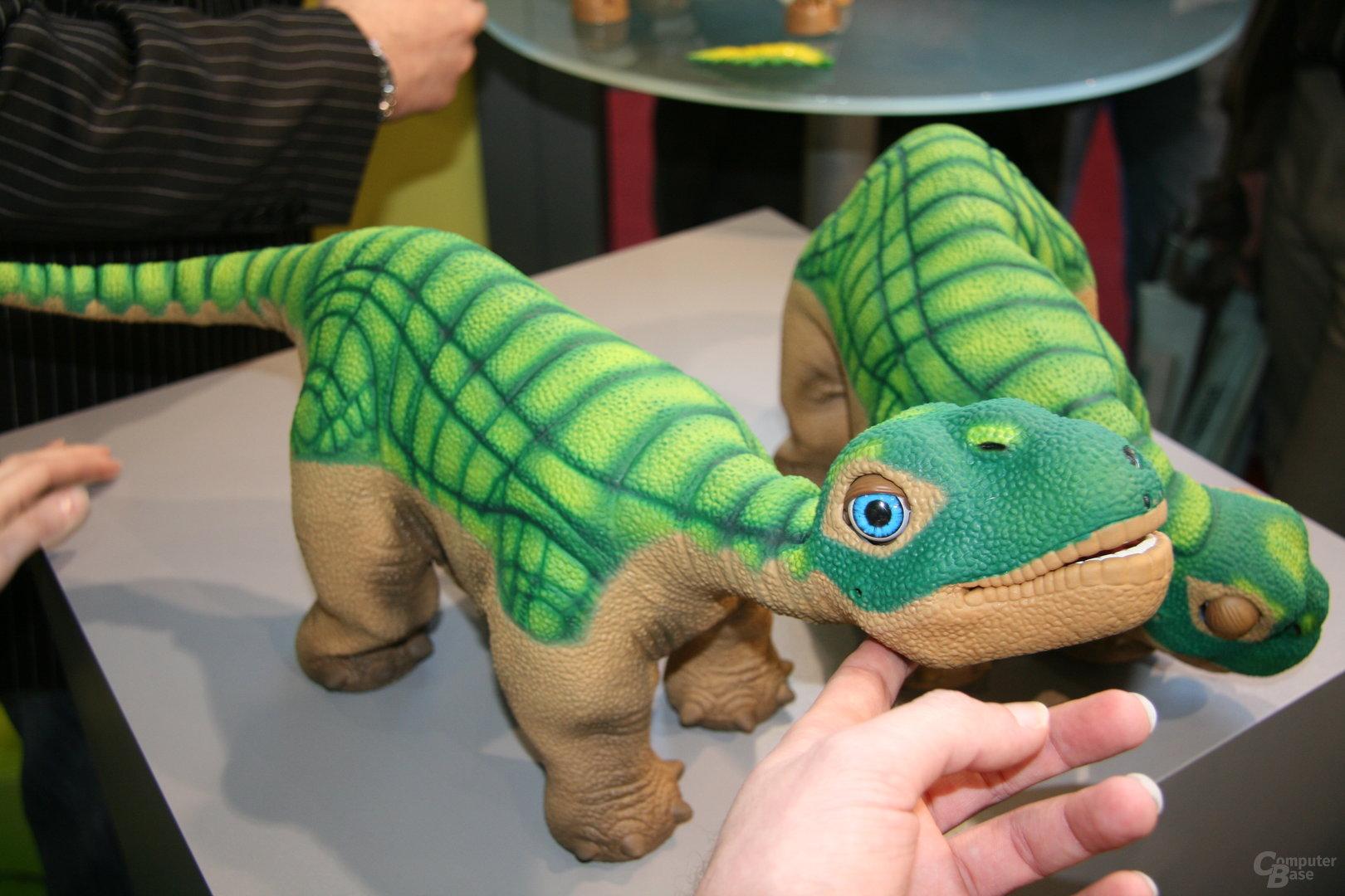 Pleo auf der CeBIT 2008