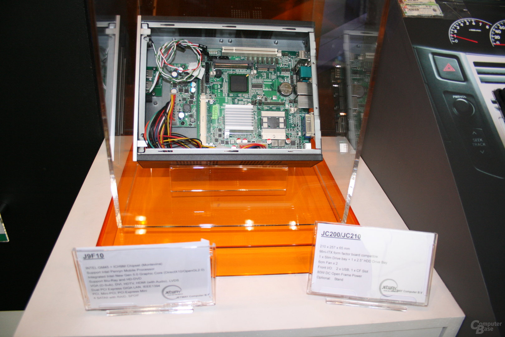 CeBIT 2008 – Jetway J9F10