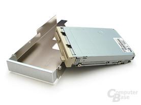 """Versteckter 3,5""""-Schacht zur Unterbringung von Floppy, Lüftersteuerung oder Cardreader"""