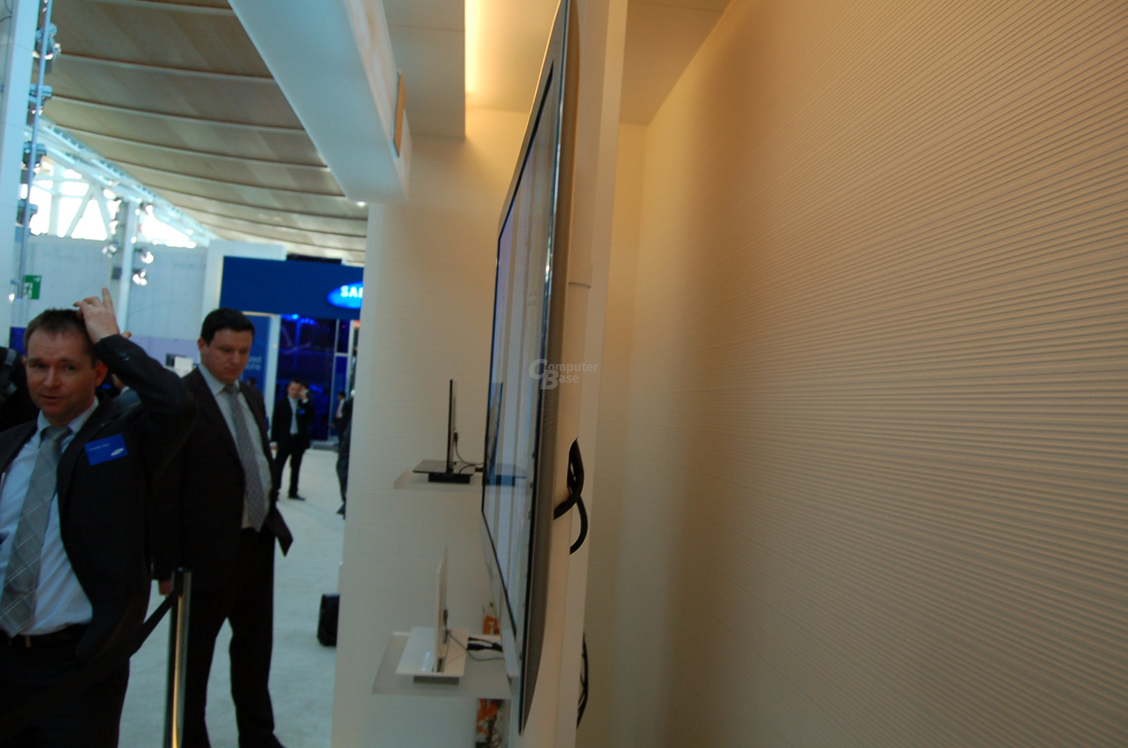 OLED-TVs von Samsung im Profil