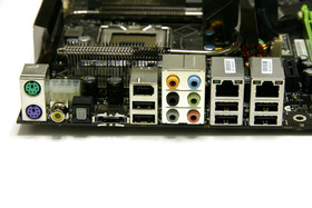 nForce 790i Ultra SLI Anschlüsse