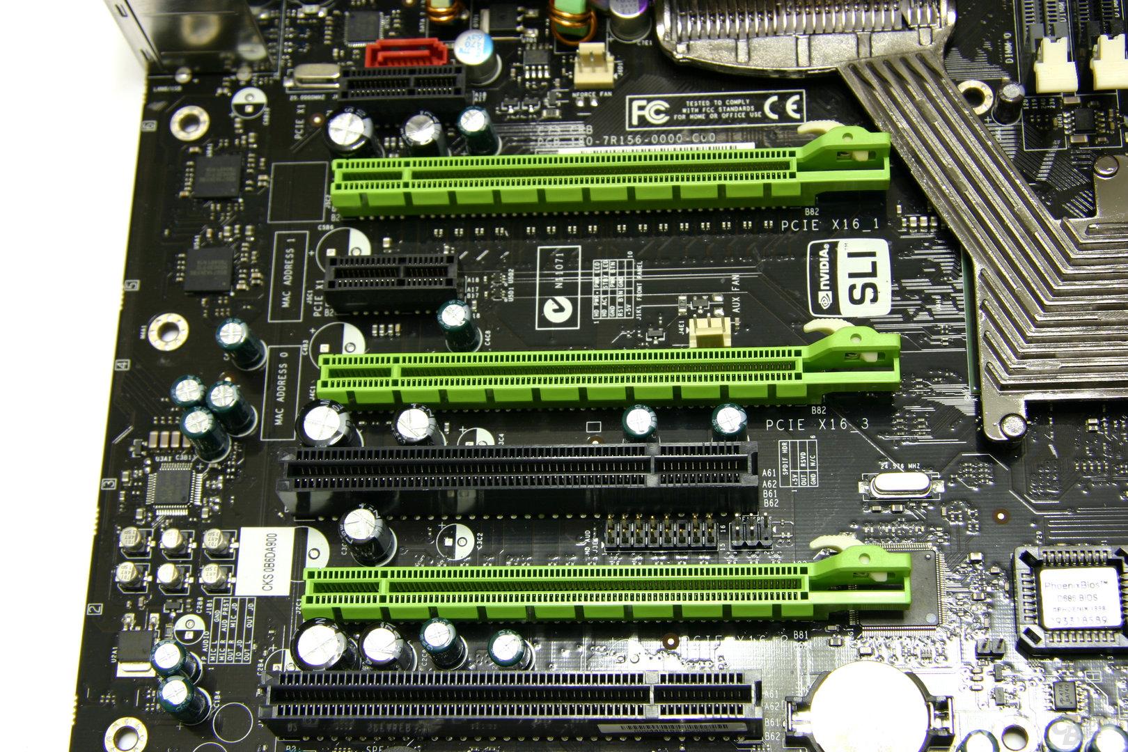 nForce 790i Ultra SLI PCIe-Slots