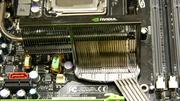 Nvidia nForce 790i Ultra SLI im Test: Nvidia mit DDR3 gegen Intels X38-Chipsatz