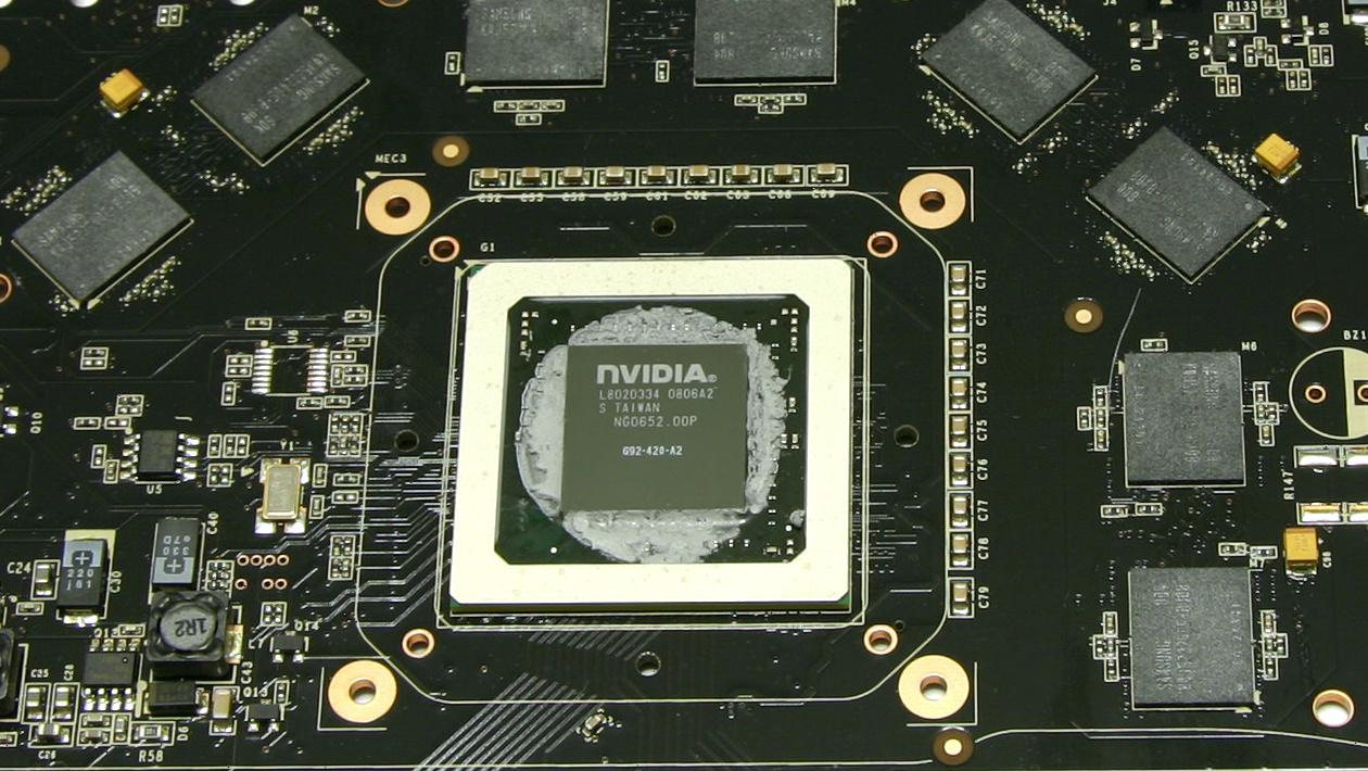 GeForce GTX 9800 GTX im Test: Nvidia vergisst bei neuer Serie die Neuerungen