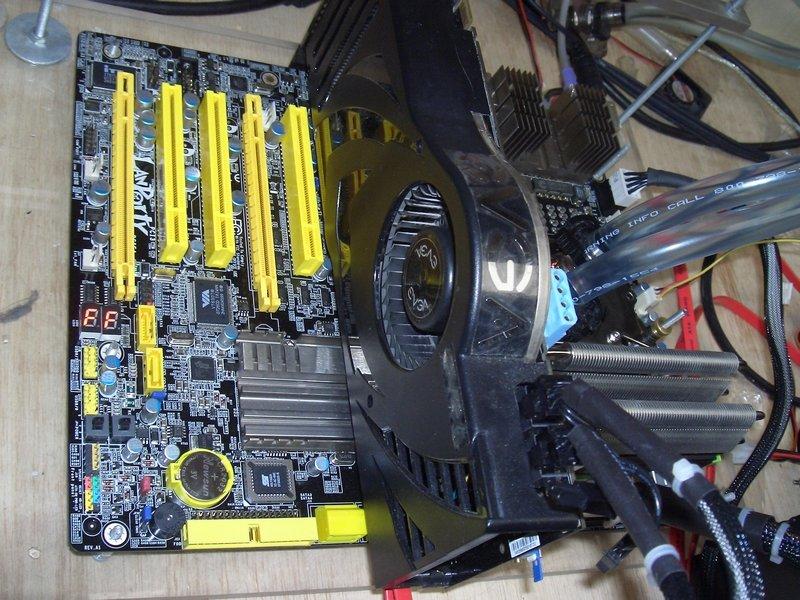 AMD Phenom 9850 Black Edition und sein Versuchsaufbau