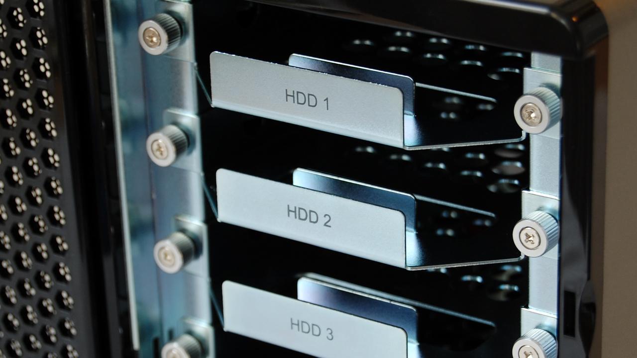 QNAP TS-409 Pro im Test: Netzwerkspeicher auf hohem Niveau