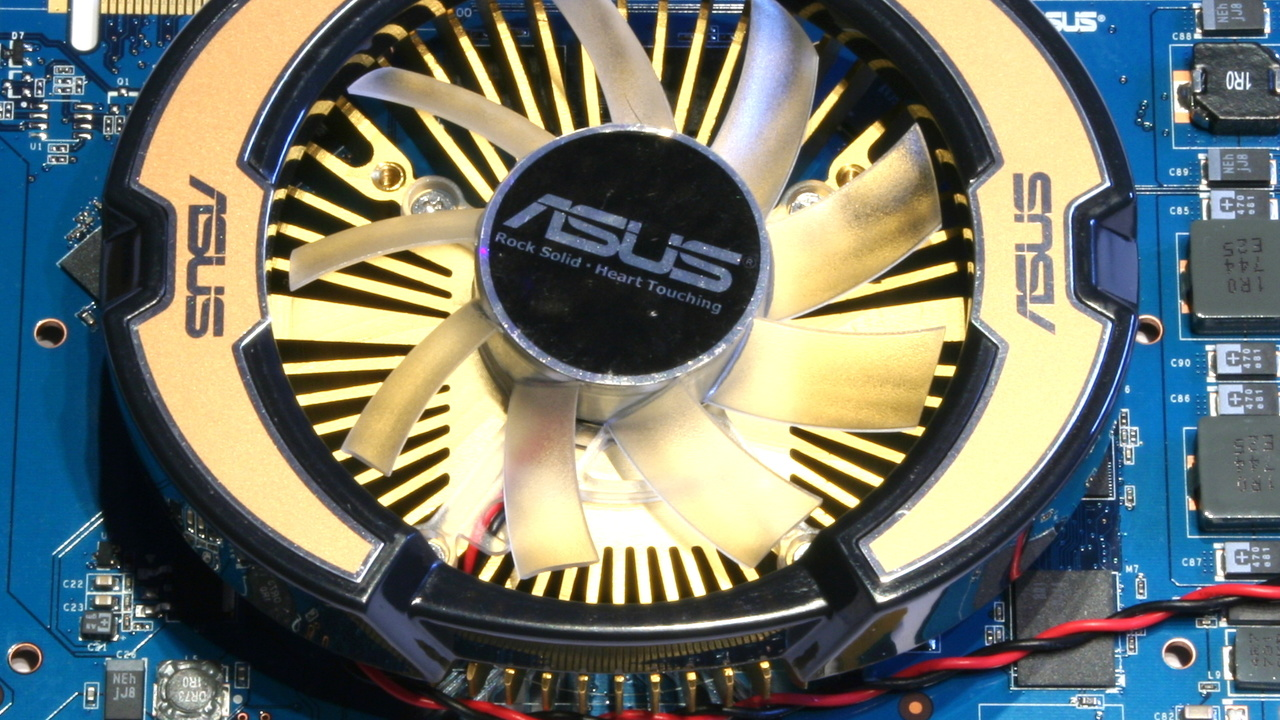 Asus EN9600GT & EAH3850 im Test: Übertaktete Mittelklasse mit eigenem Kühler