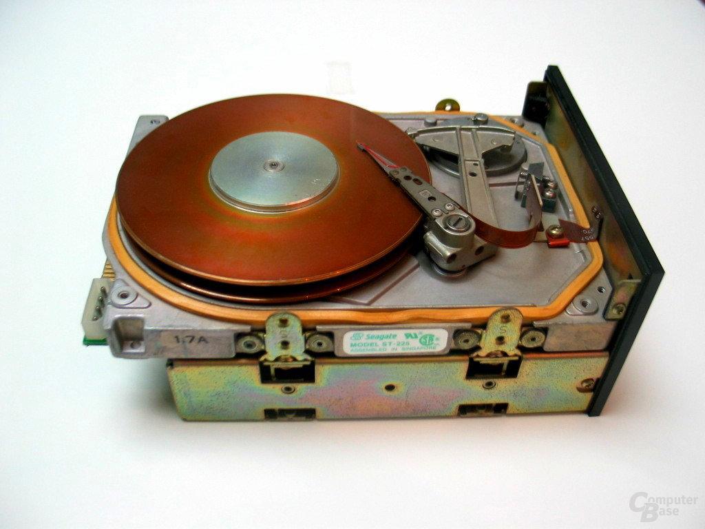 ST225 - 1984: Erste Festplatte für den Handel