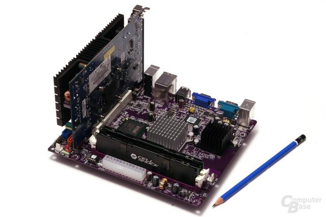 ECS Elitegroup 945GCT-D (mit PCI-Karte und RAM)