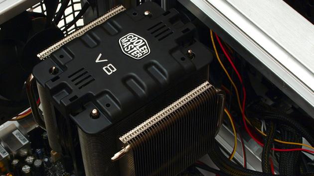 Coolermaster V8 im Test: Achtfach-Heatpipe mit Vierfach-Kühlkörper