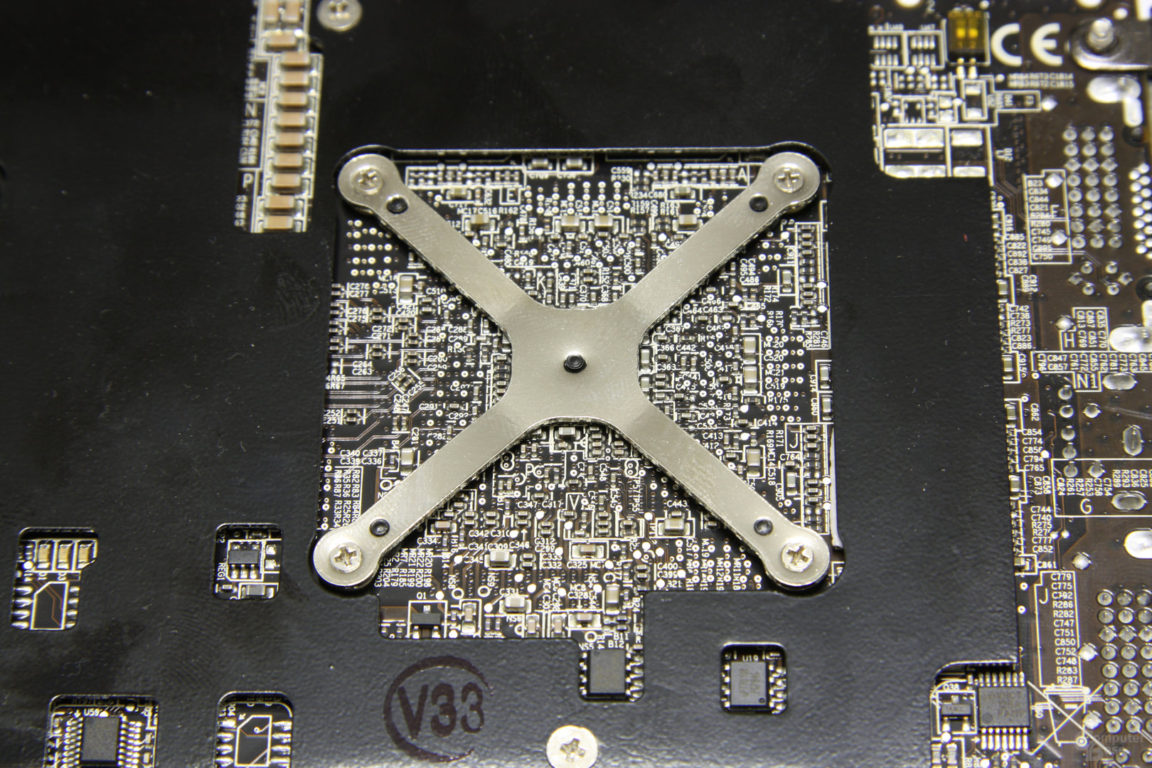 Radeon HD 4870 X2 GPU-Rückseite