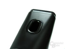 Bass-Reflex-Öffnung auf der Oberseite der Lautsprecher