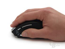 Eher für kleinere und mittelgroße Hände konzipiert