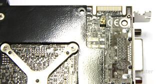 HD 4870 X2 Atomic CF-Anschluss