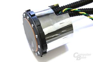 HD 4870 X2 Atomic Pumpe Seitenansicht