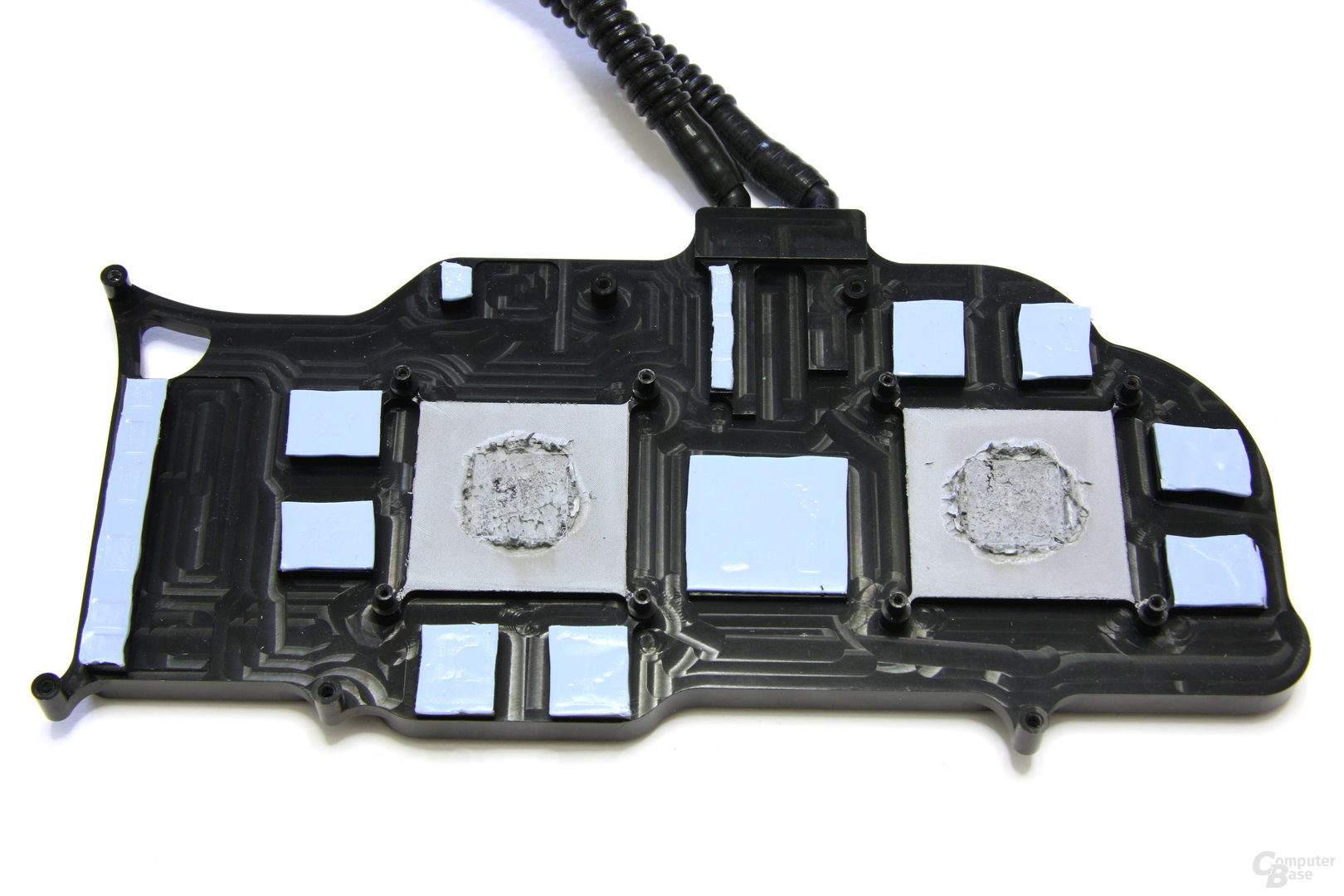 HD 4870 X2 Atomic Kühlerrückseite